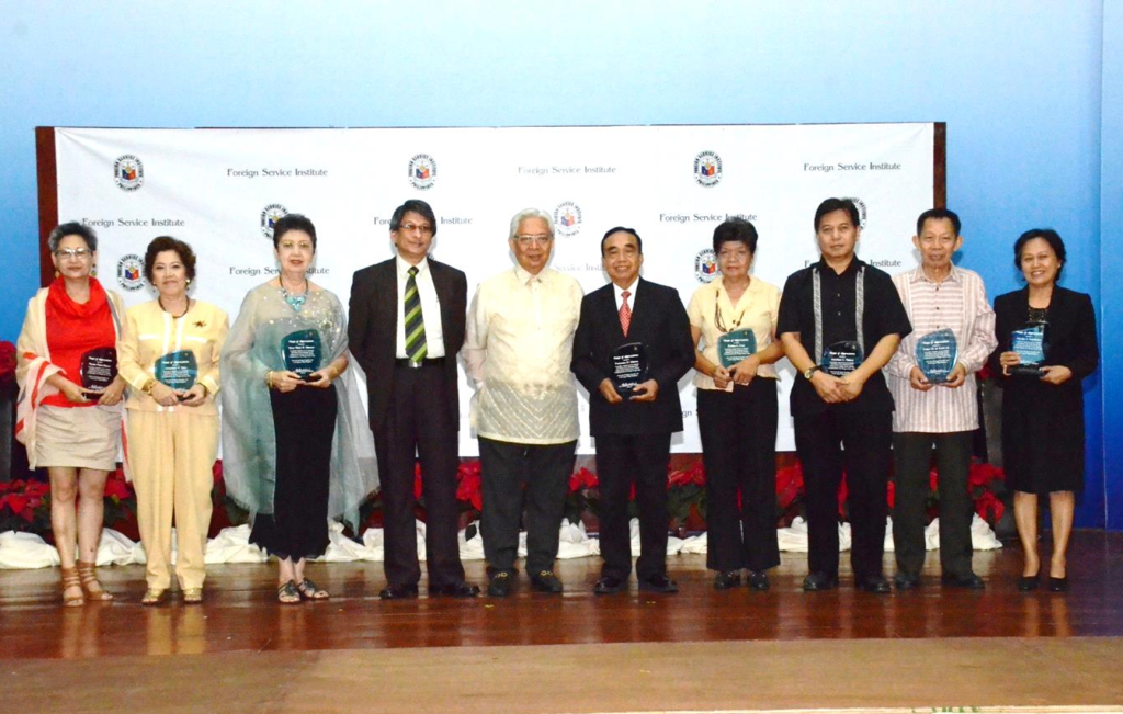 The resource persons were recognized by the FSI and awarded plaques of appreciation. With them in the photo are Undersecretary Jose S. Brillantes(fifth from left)and Hon. Antonio D. Kalaw, Jr. (fourth from left), President of the Development Academy of the Philippines and Member of the FSI Board.